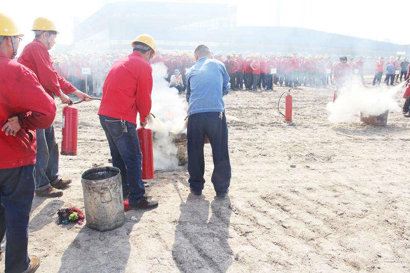 公司进行消防安全演练